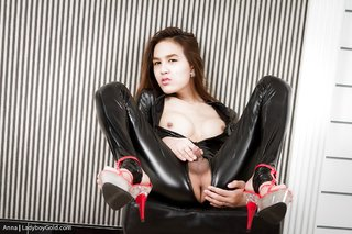 submissive asian ladyboy gold