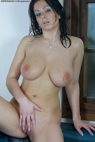 wet horny amateur girl