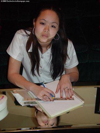 asiáticas amateur jovencita solitario