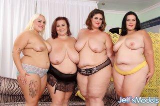 Hot nude dancing girls