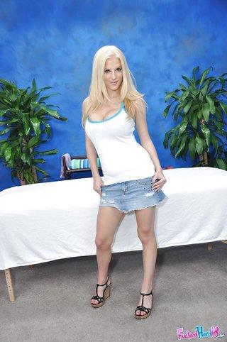 teen blonde heels