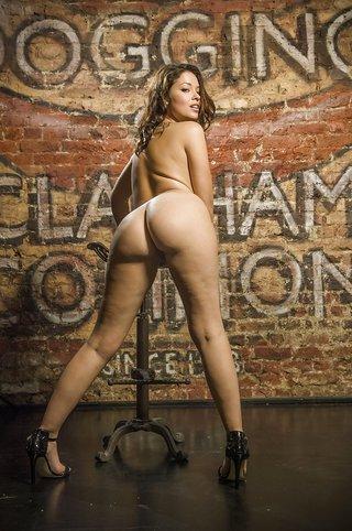 nude curvy british
