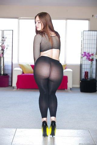 big booty non nude