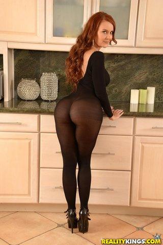 sexy ass heels cumshot