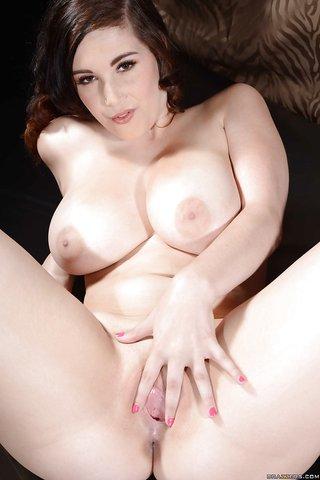 sexy naked women in poblic